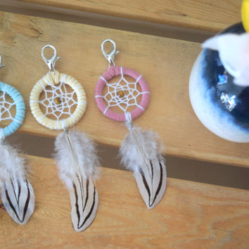 Dreamcatcher N.3 | Small dreamcatcher keychains | Boho accessories | Mini dreamcatcher | Car accessories | Pastel Pink yellow blue keychain