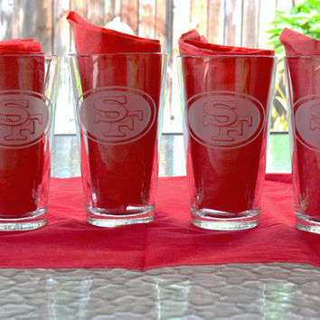 Set of 4 Custom Etched  San Francisco 49ers pint glasses Logo and Jersey. Pick your players!