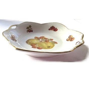 Quince porcelain white ruffled shallow gold trim bowl