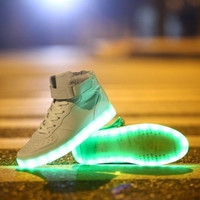Fashion Lovers LED Night Light Couples Men Women Light Up Trainer Lace Up Shoes Sneakers