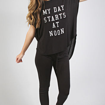 daydreamer: my day starts at noon pajama set