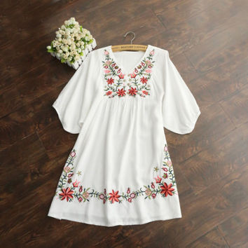Hot Sale Vintage 70s Women Mexican Ethnic Embroidered Pessant Hippie Blouse Gypsy Boho Mini Dress Free Shipping