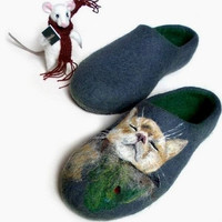 Custom cat portrait OOAK Felt slippers Cat Slippers Cat lover gift Remembrance gift Cat Sympathy Gift Cat Loss Pet portrait Women home shoes