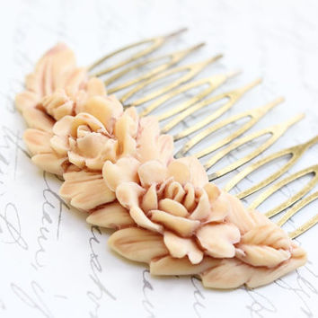 Rose Hair Comb, Ivory Cream Rose, Peach Bridal Wedding Spring Floral Vintage Style Shabby Chic, Hair Accessories, Antique Brass Filigree