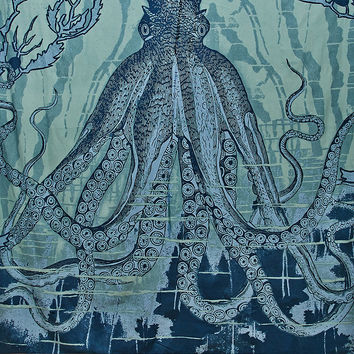Octopus Tapestry Throw in Blue - Urban Outfitters