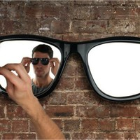 Looking Good Sunglasses Mirror - $360 | The Gadget Flow