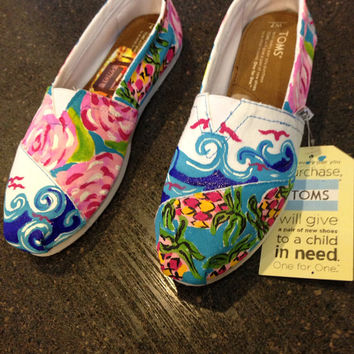 Lilly pulitzer Handpainted toms  by jessschmitty on Etsy