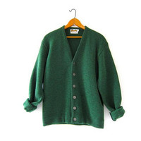 Vintage green cardigan sweater. 50s knit sweater. Oversized grandpa sweater. Boyfriend sweater.
