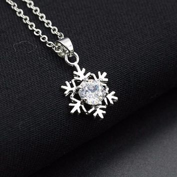Women Diamond Snowflake Pendant Necklace Chain Necklace Jewelry