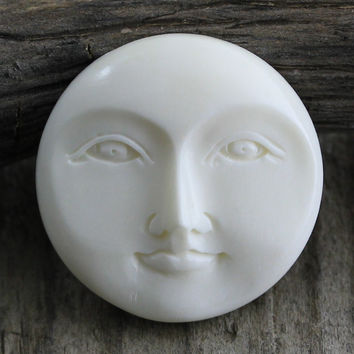 Moon Face, Round Cabochon, Bone Carving 25mm