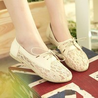 Lace Bowknot Flat Shoes