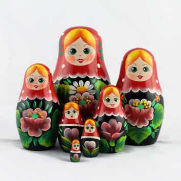 Matryoshka Russian Nesting Doll Babushka Beautiful Wooden Poppy Flower Set 7 Pieces Pcs Hand Painted Handmade Souvenir Handicraft Craft