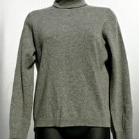 Made in Scotland - 100% Cashmere Sweater by Ballantyne - 1950's - Gray Turtleneck - Soft, Warm - Women's Size 38