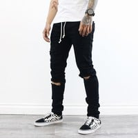 Marcus Distressed Jeans (Black)