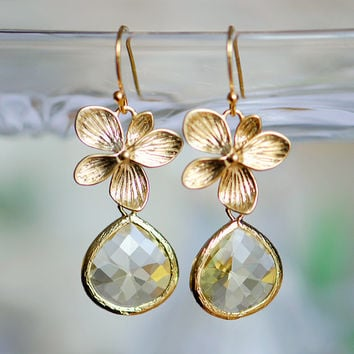 November birthstone jewelry - Yellow earrings - Yellow glass earrings - Yellow dangle earrings - Jonquil and gold teardrop - unique gift