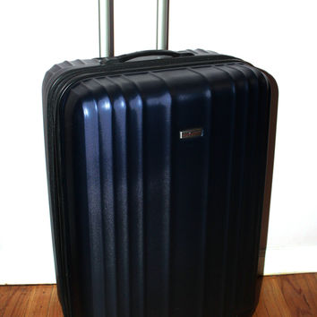 "Ricardo Beverly Hills 20"" Carry-on Hardside Spinner Luggage"