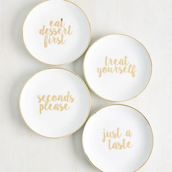 Foodie on Duty Plate Set | Mod Retro Vintage Kitchen | ModCloth.com