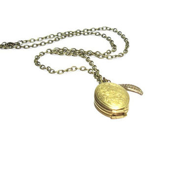 Antique Brass Photo  Locket ,  Pendant Necklace , Boho, Vinta , Gift For Her