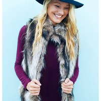 Faux fur two tone vest with full lining and pockets | Flynn | escloset.com