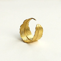 feather ring, brass bohemian feather warp ring, leaf ring, adjustable ring, feather jewelry, bridesmaids jewelry