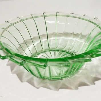 Green Depression Glass Berry Bowl, Dessert Bowl, Pinwheel Pattern, Jeannette Glass