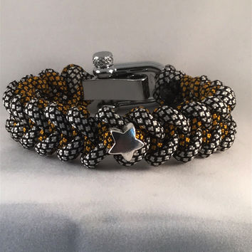 Silver Star Paracord Bracelet with Shark Teeth Paracord Weave