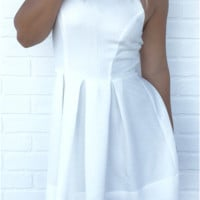 White Backless Pleated Dress B0014277