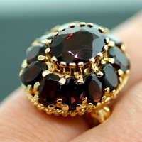 Vintage 14k Yellow Gold Oval Cut Garnet Ring