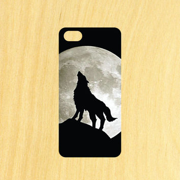Wolf Howling at the Moon Version 2 iPhone 4/4S 5/5C 6/6+ and Samsung Galaxy S3/S4/S5 Phone Case