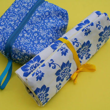 Travel Bag - Jewelry Roll - Travel - Women - Blue and White