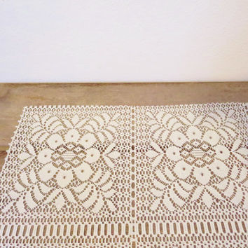 Vintage Lace Table Runner / Boho Table Runner / Lace Runner / Farmhouse Table Runner / Wedding Table Runner  / Large Table Runner