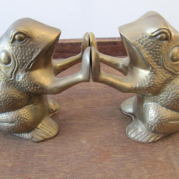SALE Vintage Brass Frog Bookends, Vintage Heavy Brass Frog Decor, Big Pair of Metal Frogs, Retro Quirky Animal Bookends