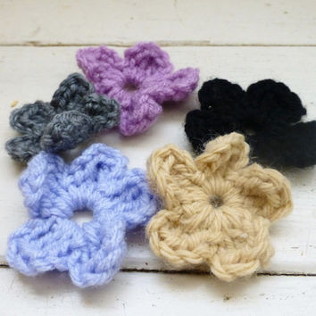 Crochet flower applique, small crochet flowers, applique flowers, crochet embellishment, ready to ship, handmade, hand crochet, floral