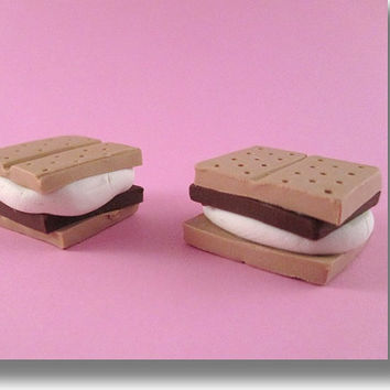 "Mini American Girl Doll Food -S'mores- Fits Saige or any 18"" doll from Katie's Craftations! Adorable!"