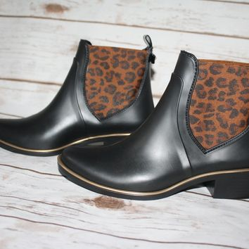 New Kate Spade Sedgwick animal Print rain Boots Size 5