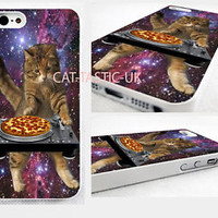 CAT PEPPERONI PIZZA TURNTABLE SPACE funny cute iPhone 4,4s, 5C, 5S,5 cover Case