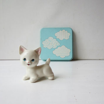 Vintage White Kitty / Kitten Cat Figurine