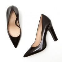 Elizabeth and James Vino Pump in Black