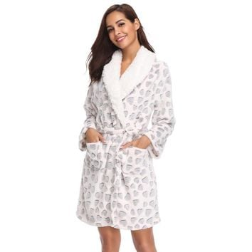 Women Teddy Fleece Robe Bridesmaid Bathrobe Home Clothes Kimono Sleepwear Dressing Gowns Bride Bath Robe For Women Young Lady