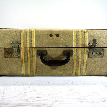 Vintage Tweed Suitcase / Old Luggage / Antique Suitcase