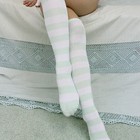 Great bargain! 50% Of the surprise ■ Instant delivery! Great deals! Unless the stock! ■ knee high border socks pastel width: 3 cm color: green / white