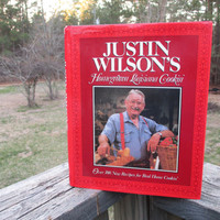 Justin Wilson's Homegrown Louisiana Cookin'--Cookbook--Bookjacket--Down Home Country Cooking--Southern Recipes--Cajun Cooking--Down South