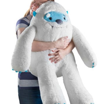 Yulli Yeti: Giant plush mountain Yeti.