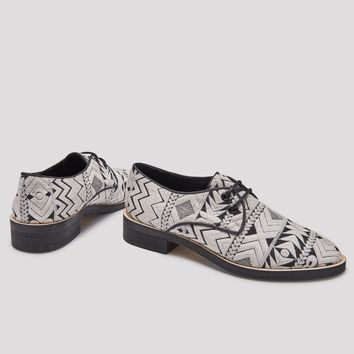 TERE GEO CREAM BROGUES