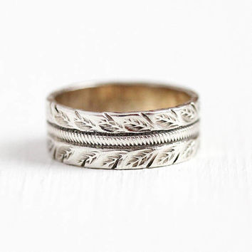 Vintage Leaf Ring - Sterling Silver Engraved Leaves Eternity Cigar Band - Retro 1960s Size 4 1/4 Stacking Nature Motif Statement 60s Jewelry