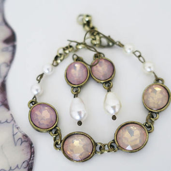 Blush Pink Bracelet Earrings Jewelry Set Swarovski Pearl Fire Pink Opal Pastel Wedding Peach Beige Bridesmaid Jewelry Set Antique Gold