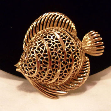 Monet Angel Fish Large Vintage Openwork Filigree Gold Plate Brooch Pin 2 3/8""