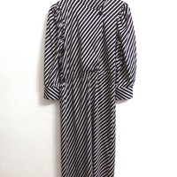 Vintage Dress With Black And White Diagonal Stripes And Long Sleeves Contrast Detail