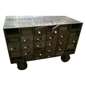 Pre-owned Industrial Coffee Table Loft Style on Wheels