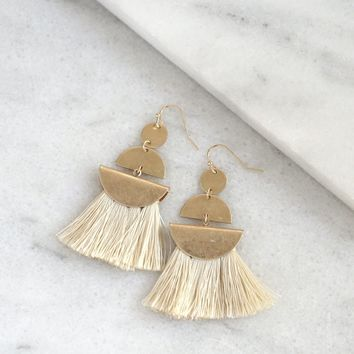 Fringe fan Earrings in cream